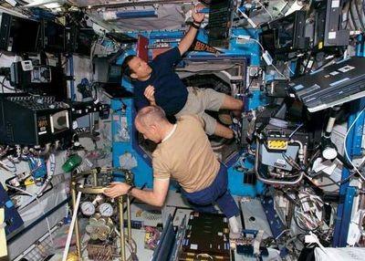 Астронавты должны выбрать один из двух орбитальных самолётов