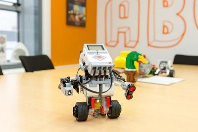 Чему роботы из lego смогут научить российских школьников