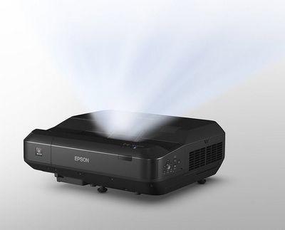 Epson представила ультракороткофокусный лазерный проектор для дома