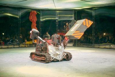Фотоотчет с открытия боев роботов «бронебот-2016»
