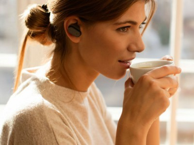 Гарнитура sony xperia ear с поддержкой голосовых команд появится в продаже в ноябре