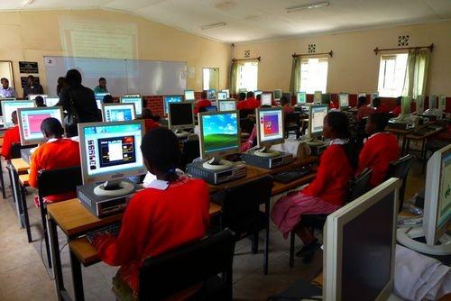 Компьютер в школе – полезен только поставщикам?