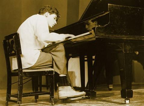 Концерт призраков: мёртвые великие пианисты выступят живьём