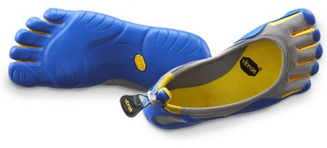 Перчатки для ног оставляют обутого босиком