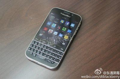 Появилось новые изображения смартфона blackberry classic (q20)