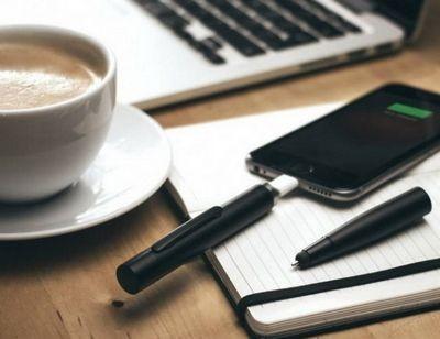 Power pen - гибрид ручки и внешней батареи для смартфона