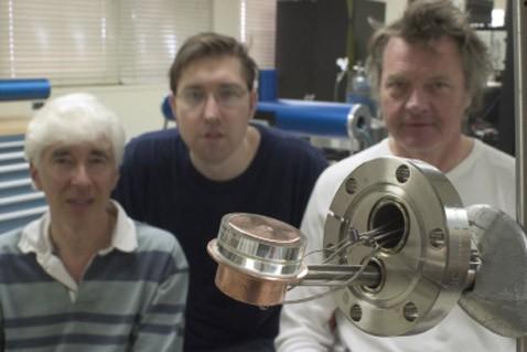 Реактор синтеза на ладони гоняет дейтроны в гриву