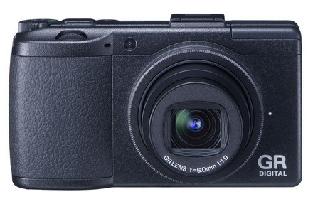 Ricoh представляет две новые фотокамеры: gr digital iii и cx2