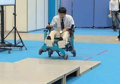 Робот поможет жить девочке, рождённой без конечностей