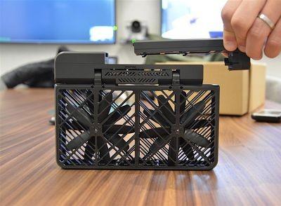Складной дрон hover camera поступит в продажу этим летом