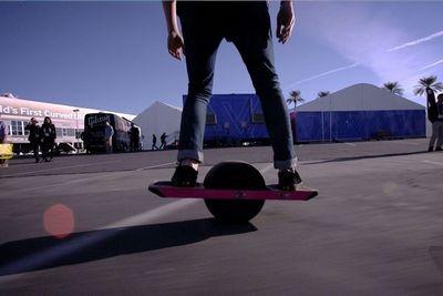 Служба маршалов сша изъяла стенд производителя одноколесных электроскейтбордов прямо на ces