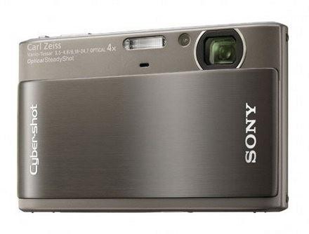 Sony представила две новые фотокамеры и «персонального фотографа»