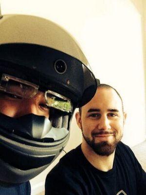 «Умный» мотоциклетный шлем собрал $800k в первый день краудфандинга
