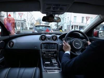 "Virtual urban windscreen от jaguar решает проблему ""слепых зон"""