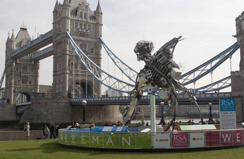 Weee man: великан из хлама против электрических отбросов общества