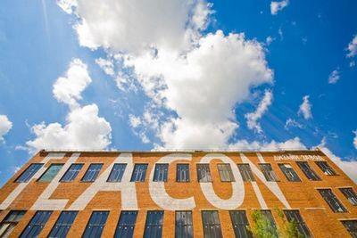 Yota devices откроет сервисный центр на дизайн-заводе «флакон»