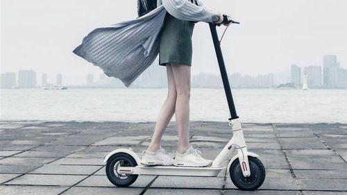 За слова отвечаем: xiaomi не представила машину, но показала электроскутер